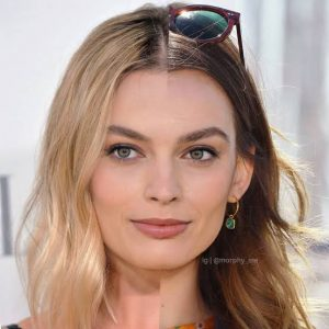 margot robbie symmetry